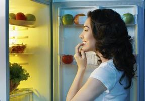 Manger tard pour prendre du poids